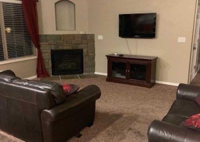 livingroom-behind-before